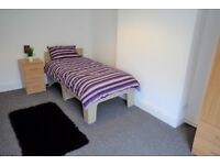 🏠 Newly Refurbished Quality En Suite Bedrooms to Rent in Worksop Bedroom available to let 🏠