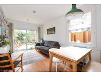 *** Bright and spacious three bedroom garden flat, Shaftesbury Road, N19 ***