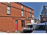 118-120 Lineacre Lane Fl2, Bootle. Self contained 1 bed flat with GCH & DG. LHA welcome