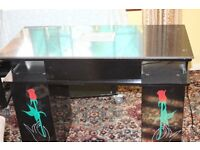 Black Nail Station With Mrble Top ( New)