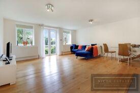 2 bedroom flat in Hendon Lane, Finchley Central, London, N3
