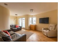 Fantastic, 2 bedroom, 1st floor flat with private parking in Willowbrae – available NOW