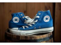 Womens Converse hightop trainers size 4