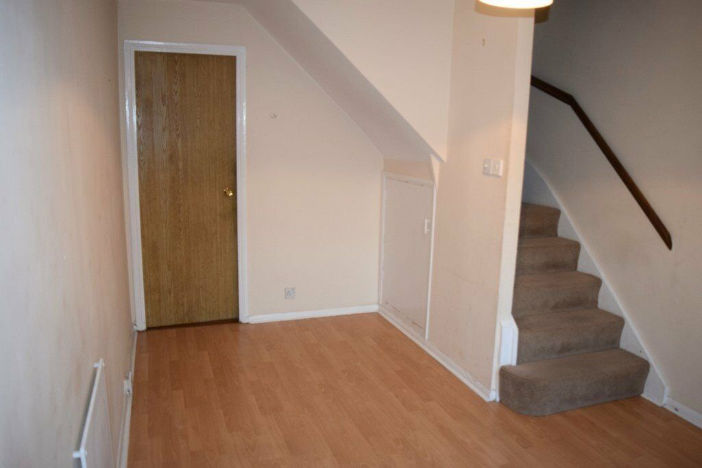 **BEAUTIFUL 1 BEDROOM HOUSE!! COWLEY/UXBRIDGE ONLY £1050 - A MUST VIEW!**