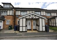 Stunning refurbished 2bed house in Hendon * Private Garden * Parking * x2 double bedrooms *