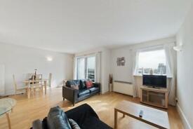 2 bedroom flat in Storers Quay, Cubitt Wharf, Docklands E14