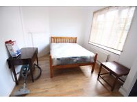 DOUBLE ROOM AVAILABLE IN 3 BED FLAT IN EARLSFIELD WANDSWORTH BILLS INCLUDED GREAT CONDITION SW18