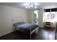 BRION PLACE!! DOCKLANDS AREA!! **NEW FURNITURE**NEW FLOOR**PRIVATE PATIO GARDEN**