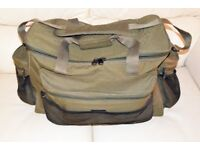 Fishing Tackle Bag / A large olive green all round anglers carryall, holdall