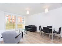 Large and very cosy 1double bedroom flat in Canada water/ Syrrey Quays SE8 with gym & concierge ! JS