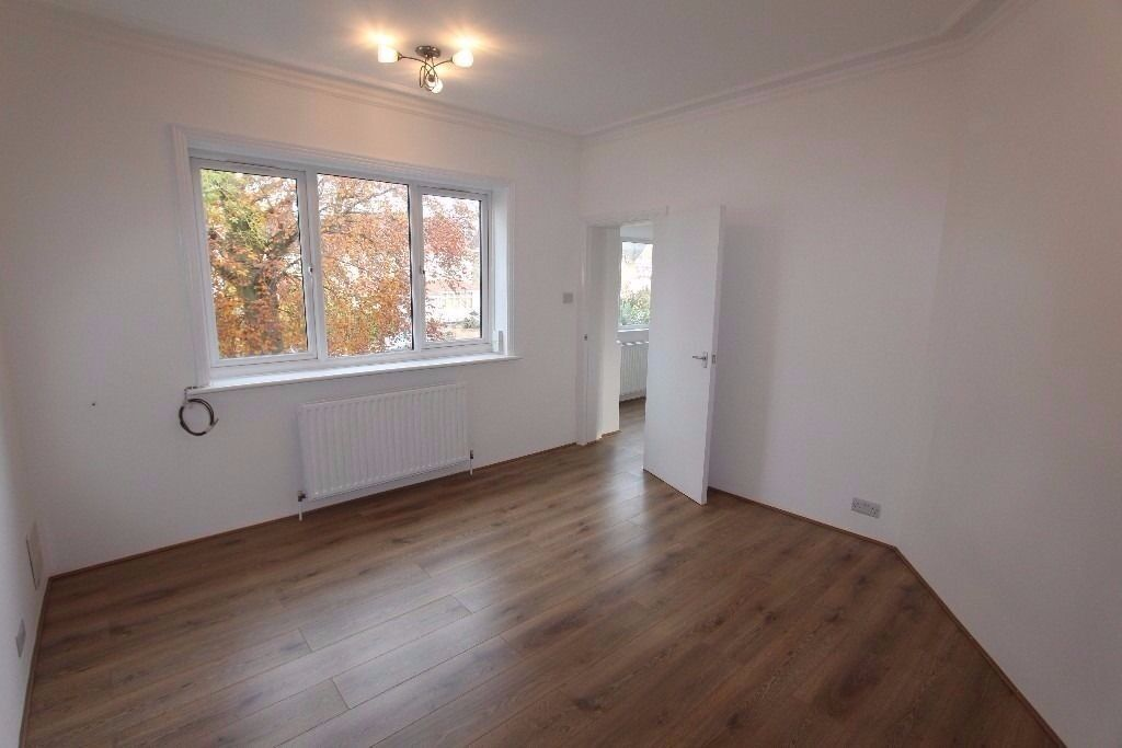 Spacious new 3 bedroom flat with garden, Golders Green/Temple Fortune, NW11