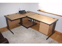 Quality Office Desk And Tables