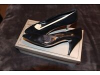 Vintage Roland Cartier Shoes, barely worn, size 6/39, 1 pair dark Navy Blue 1 pair Tan.