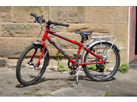 ISLA Bike Beinn 20L in red – for a 6-8 year old child