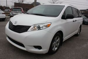 2015 Toyota Sienna BACKUP CAM+BLUETOOTH