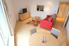 AMAZING ONE BED FLAT WITH RIVER VIEW! GREAT SIZE, AVAILABLE NOW! 23E143