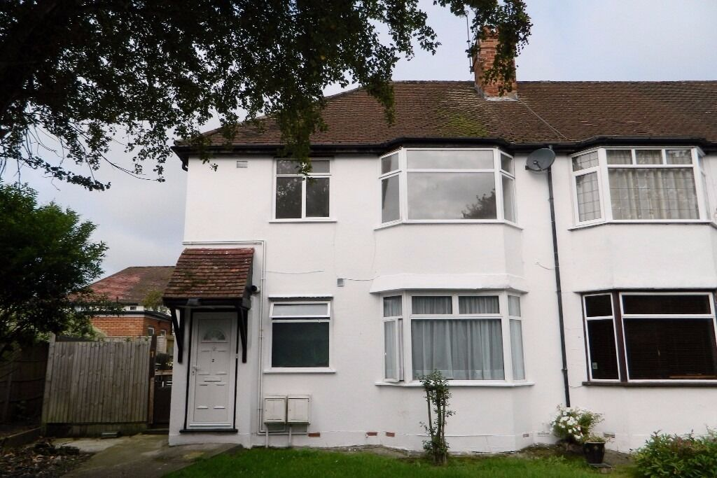 TWO BEDROOM PURPOSE BUILT FIRST FLOOR MAISONETTE WITH ITS OWN GARDEN FOR RENT on CHALFONT COURT, NW9