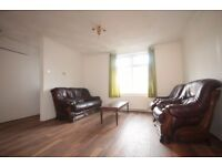 We are pleased to offer this 2 Bedroom House in Dagenham with A Large Garden Great Location RM10!!!!