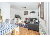 1 bedroom flat in Queensbridge Road, Dalston, E8