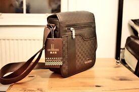 Brown Messenger Bag Sidebag Leather BNWT Lots of pockets unisex mens women