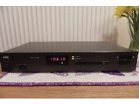 NAD 4225 HiFi FM/AM tuner in very good condition