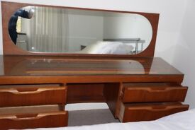 DRESSING TABLE WITH MIRROR AND 2 X CHEST OF 3 DRAWERS.