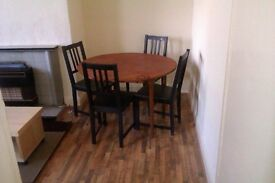 **TWO bedroom house BD7-ONLY £450 Per month - only 5 minutes from Bradford Uni!**