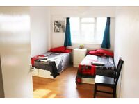 Large Double/twin room in Swiss cottage NW3