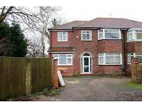 Brighton Avenue M19, furnished 4/5 bed.
