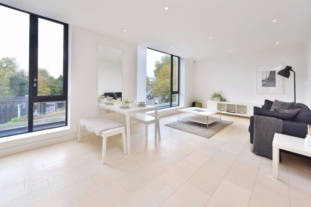 EXCEPTIONAL 1 DOUBLE BEDROOM APARTMENT IN A SOUGHT AFTER DEVELOPMENT IN REGENTS PARK/PRIMROSE HILL