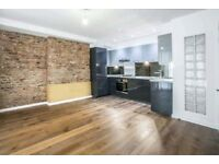 STUNNING 2BED FLAT IN HEART OF CLAPTON**UNFURNISHED**EXPOSED BRICKWORK**CHEAP!!