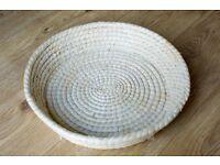 New straw basket