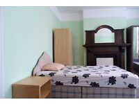 Lovely & spacious double room in a houseshare near Dollis Hill Tube station - All bills included