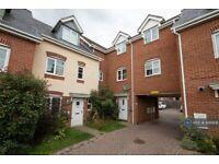 2 bedroom flat in Bostock Road, Chichester, PO19 (2 bed) (#926908)