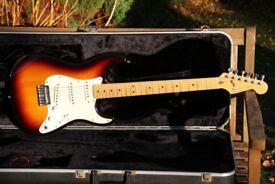 Fender Stratocaster - 1983 Dan Smith - Original Fender Logo'd Case