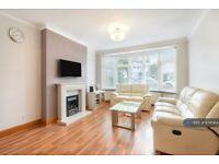 3 bedroom house in West Avenue, London, N3 (3 bed) (#874064)