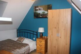 Double room to let. Available now!