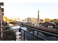 THREE BEDROOM APARTMENT OVERLOOKING CANAL