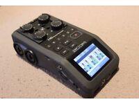 ZOOM H6 6 Track Recorder PLUS 2 Studio Condenser Microphones