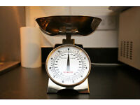 Traditional kitchen scale - condition like new