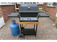 Premium quality Broil King gas BBQ with cover and gas in very good used condition – ready to cook!