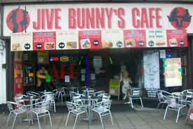 THEMED ROCK N ROLL CAFE 5 BEDROOM PLUS OWNERS PRIVATE FLAT SKEGNESS £75000