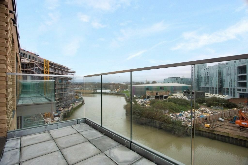 @FANTASTIC 2 BED 2 BATH WATERFRONT APARTMENT IN HILTON'S WHARF GREENWICH/CUTTY SARK SE10