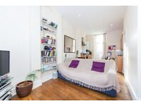 Location Location! Superb 1 Bed Flat - Private Patio Garden - In the Heart of Fulham Broadway SW6