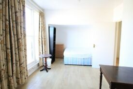 Split level four bedroomed maisonette in Islington N1! Close To Kings Cross W/ roof terrace
