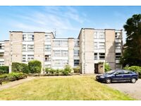 A NEWLY DECORATED and SPACIOUS ONE BEDROOM ground floor flat close to North Finchley High Road