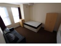 **** 3 BEDROOM FLAT - IN HARINGEY N4 ******