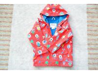 HATLEY BOYS RED ROBOT LINED RAINCOAT SIZE 5 - NEW - LOOKS GREAT - BRIGHT FUN COLOURS