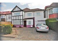 4 bedroom house in Foscote Road, Hendon, NW4