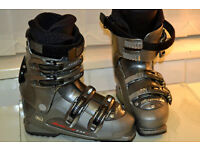 MENS AND WOMENS SKI BOOTS